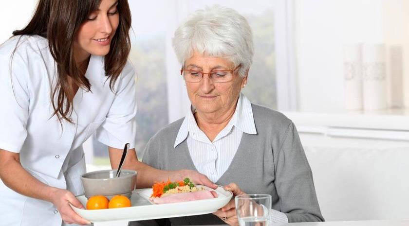 alimentacion tercera edad - Ictus, ¿cómo actuar ante la falta de apetito?