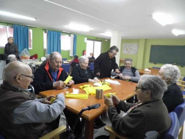 P1010041 593x445 - Las Residencias para Mayores de Lares CV han celebrado las Fallas las Fallas 2018