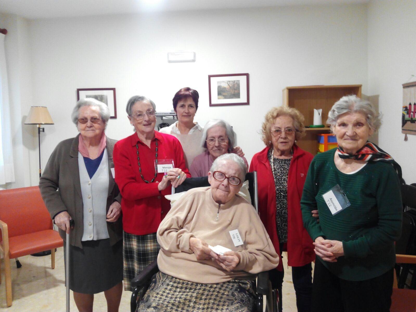 foto abuelos - Demencia en las personas mayores. El poder de las emociones como herramienta de trabajo.