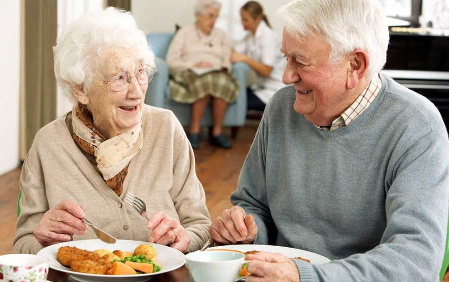 Dieta personas mayores - Hacer dieta a una edad adulta, ¿qué hay que tener en cuenta?