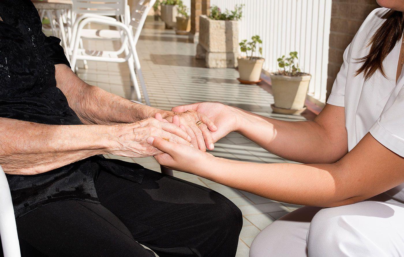 RHMRO manos - Apoyo interpersonal, abrazos, risas y mucho amor, principales tareas de un voluntario Lares CV