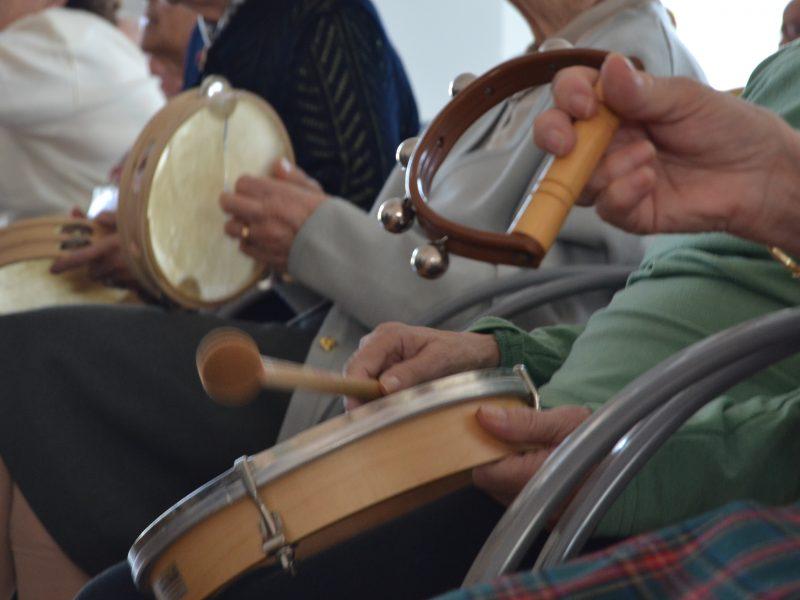TALLER MUSICOTERAPIA 800x600 - Residencias para personas mayores y centros de día en Comunidad Valenciana